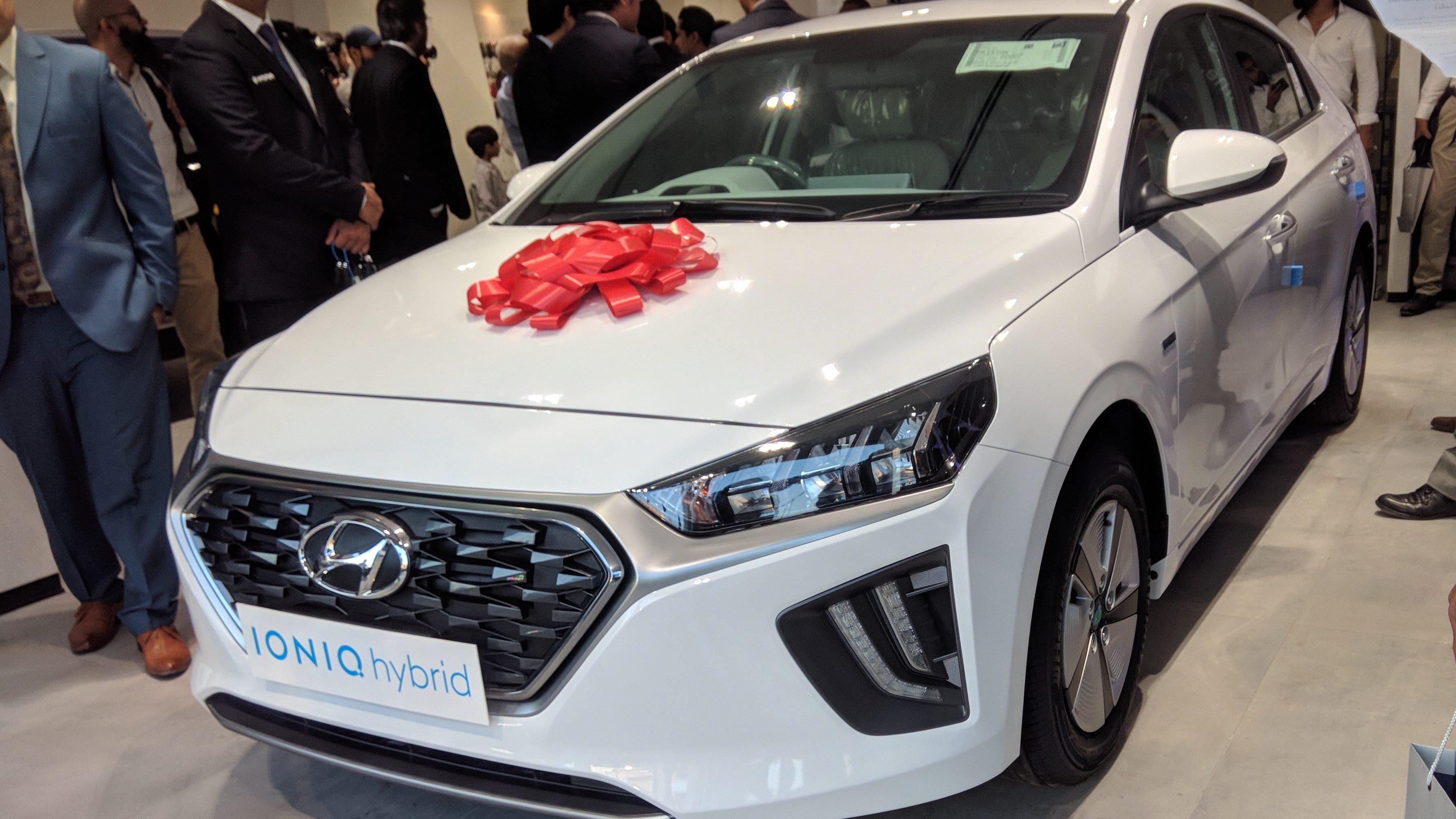Hyundai Launches Ioniq Hybrid Car In Pakistan Automark